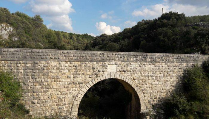 kameni-most